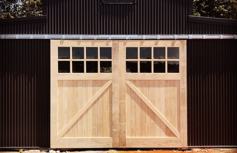 Large Scale Barn doors epitomise Eden Made's Accoya Expertise
